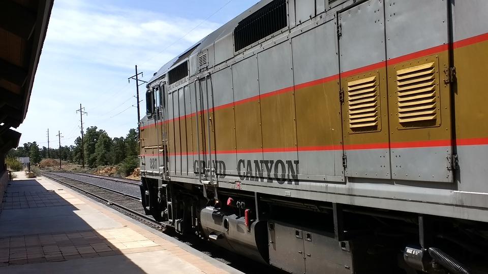 grand-canyon-railway